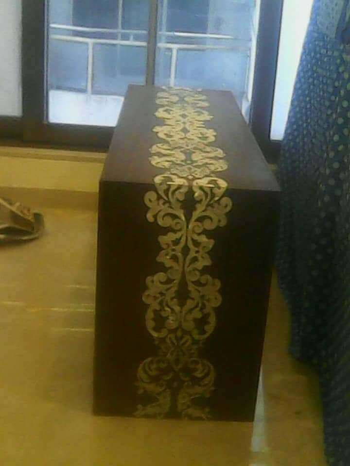 mop Inlay work on wood