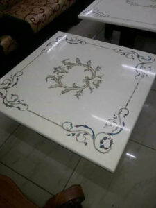 Simple inlay design for table top