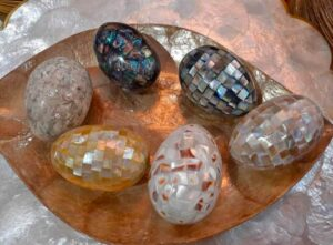 different-shades-mother-of-pearl-eggs